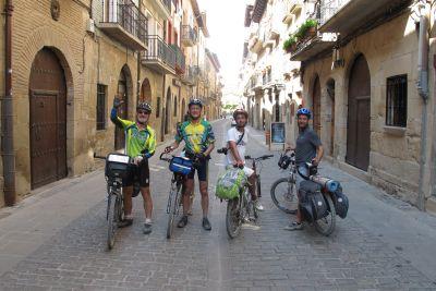 2015_bicicleta-com-caminhantes