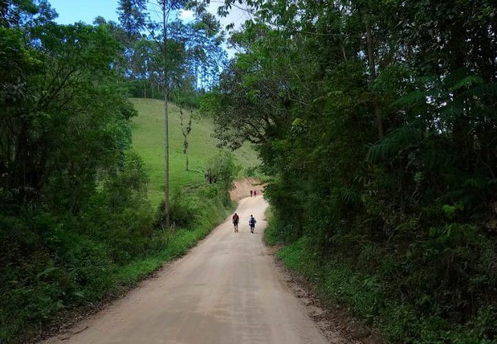 Caminho de São Bonifácio a Fluss Haus